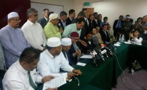Pemimpin PAS dan IKATAN pada sidang media mengumumkan kerjasama politik. - Foto Petah Wazzan Iskandar